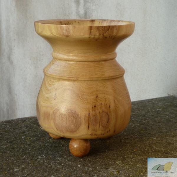 Acacia vaas: 16.5 cm hoog en 12.5 cm diameter